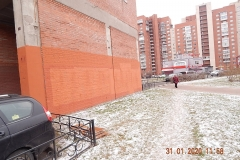 Очередное закрашивание графити на фасаде Кузнецова 17